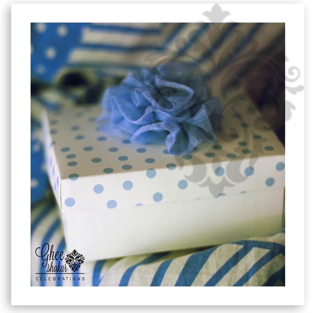 blue pompom box